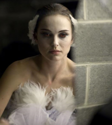 Black Swan trailer review